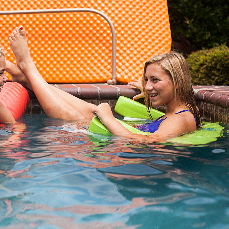 teens-pool-party-hilton-nude-hannah-montana